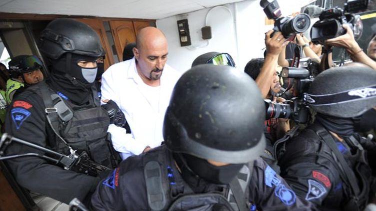 (Serge Atlaoui arrive à son procès ce mercredi en Indonésie © Reuters)