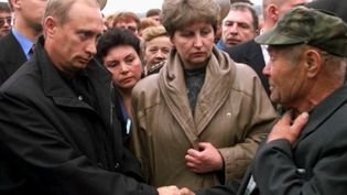 Russie : retour sur le naufrage du Koursk, 20 ans après. (FRANCEINFO)