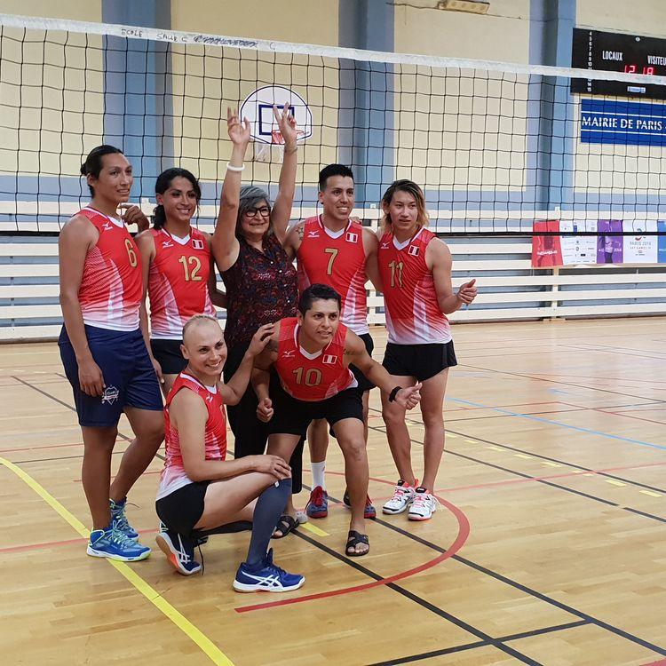 L'association parisienne Pari-Ta créé une équipe de volley-ball inclusive, accueillant de personnes transgenres. (Association Pari-T)