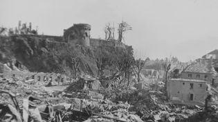 Une ville de Normandie détruite par les bombardements alliés ayant précédé le Débarquement. (FRANCE 2)