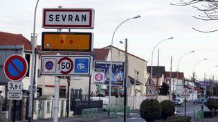 Une vue de l'entrée de Sevran (Seine-Saint-Denis), le 7 janvier 2014. (PATRICK KOVARIK / AFP)