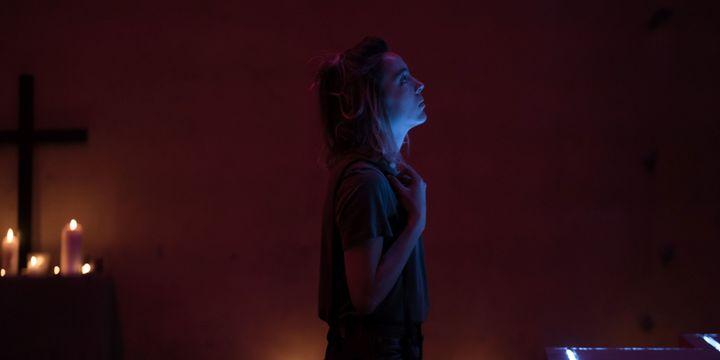 Garance Marillier est Christa dans Ad Vitam  (I.Mathie / Arte)