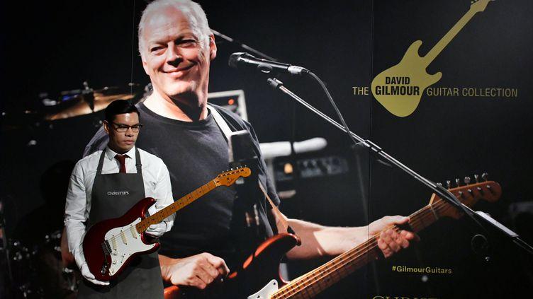 Christie's exposait en mars à Londres les guitares de la vente de la collection David Gilmour. (NILS JORGENSEN/COVER IMAGES/SIPA / COVER IMAGES)