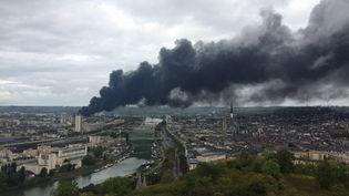 Incendie de l'usine Lubrizol à Rouen (Seine-Maritime), 26 septembre 2019. (ALEXANDRE BIORET / FRANCE-BLEU HAUTE-NORMANDIE)