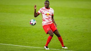 Le jeune défenseur central Ibrahima Konaté quitte le RB Leipzig. (JAN WOITAS / DPA-ZENTRALBILD)