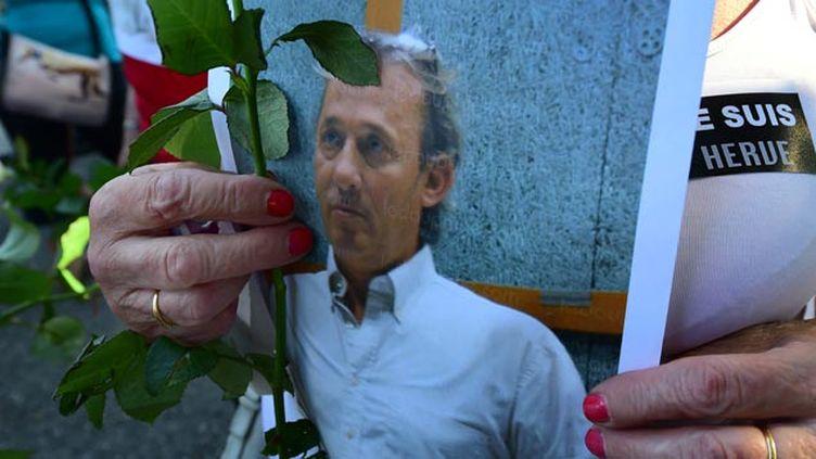 (L'hommage à Hervé Cornara assassiné par Yassin Salhi fin juin © maxPPP)