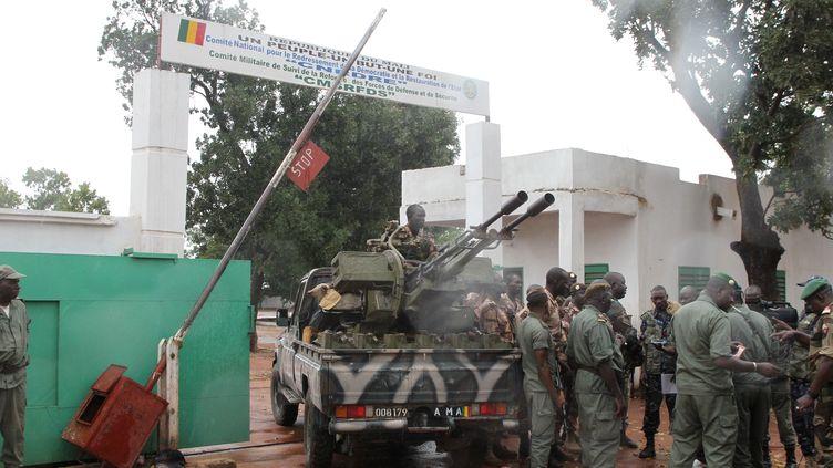 Le camp de Kati, près de Bamako (Mali), à proximité duquel 21 corps de soldats maliens ont été trouvés, mercredi 4 décembre 2013. (HABIBOU KOUYATE / AFP)