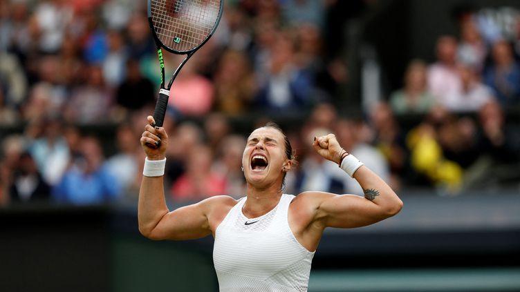 Aryna Sabalenka a battu Ons Jabeur enquarts de finale de Wimbledon. (ADRIAN DENNIS / AFP)