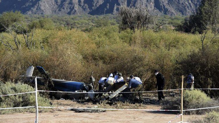 Les débris de l'hélicoptère qui s'est crashé en Argentine (JUAN MABROMATA / AFP)