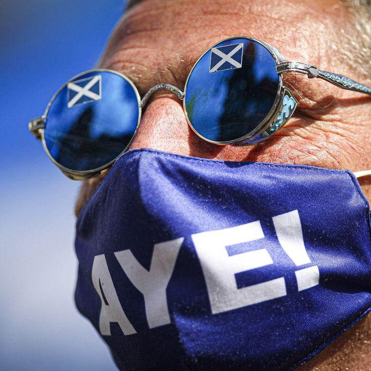 Lors d'une manifestation pour l'indépendance de l'Ecosse, le 1er mai 2021, à Glasgow (Royaume-Uni). (EWAN BOOTMAN / NURPHOTO / AFP)