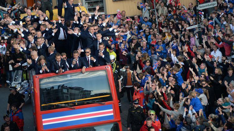 Le retour triomphal de l'Islande après son parcours qui l'a conduit en quart de finale de l'Euro 2016 (ALEXEY FILIPPOV / SPUTNIK)