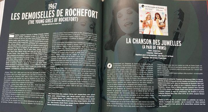 """Double page du livre consacrée à """"La chanson des jumelles"""" dans """"Les Demoiselles de Rochefort"""" (Editions du Layeur)"""