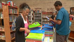 Des ventes solidaires de fournitures scolaires chez Emmaüs (France 3 Alpes)