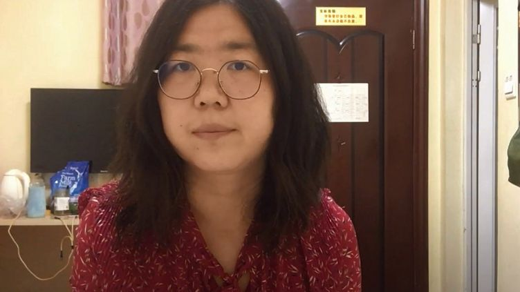 """Capture d'écran d'une vidéo Youtube non datée de la """"journaliste citoyenne"""" chinoise, Zhang Zhan. (HANDOUT / YOUTUBE / AFP)"""