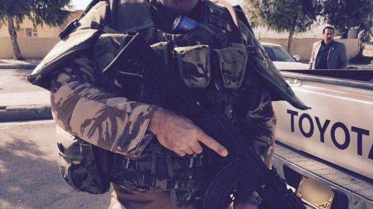 Le Britannique Tim Locks a tout quitté pour rejoindre les rangs kurdes en Irak et combattre l'Etat islamique. (TIM LOCKS / FACEBOOK)