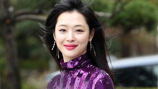 Ancienne membre du groupe de K-pop f(x), Choi Jin-ri, mieux connue le nom de Sulli, a été retrouvée morte le 14 octobre. (YONHAP / AFP)