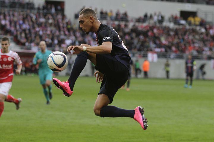 L'arrière droit du PSG Layvin Kurzawa lors du match du PSG à Reims, samedi 19 septembre 2015. (ELYXANDRO CEGARRA / CITIZENSIDE.COM / AFP)