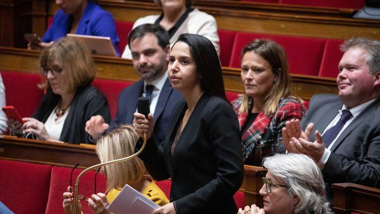 La députée(LREM) de la quatrième circonscription du Val-d'Oise Naïma Moutchou, lors d'une séance de questions au gouvernement à l'Assemblée nationale. (CHRISTOPHE MORIN / MAXPPP)