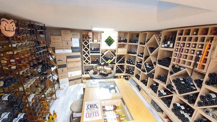 """Le défi de l'escape game """"Secrets de cave"""", récemment ouvert à Cauro, consiste notamment à retrouver la couleur de la robe de neuf vins de la région d'Ajaccio et les parfums correspondants. (SECRETS DE CAVE)"""