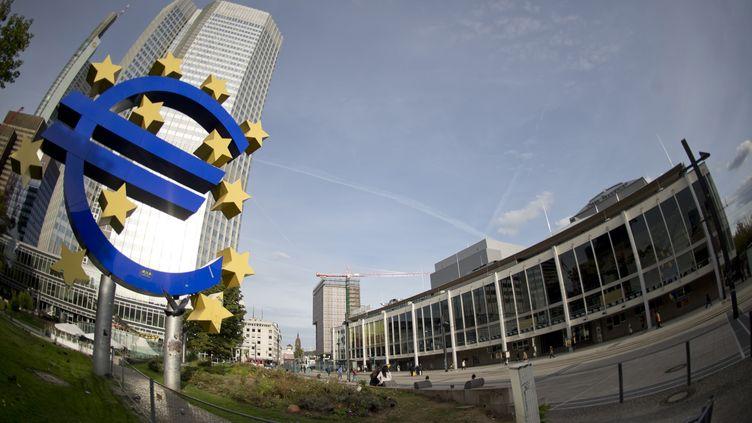 Selon le sondage, 72% des personnes interrogées sont favorables à la règle d'or budgétaire, quiinterdit aux Etats de la zone euro d'avoir un déficit public supérieur à 0,5% du PIB. (ODD ANDERSEN / AFP)