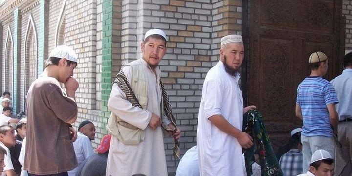 Des membres de la communauté tabligh au Kirghizistan (Twitter, capture d'écran)