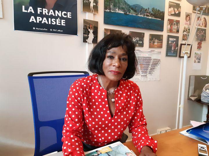 Huguette Fatna, à son bureau au RN, à Nanterre, le 2 octobre 2019. (ÉLODIE GUÉGUEN / RADIO FRANCE)