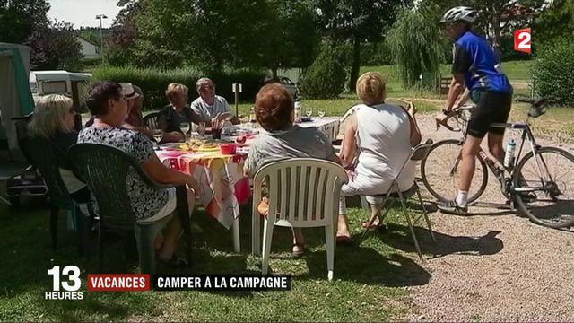 Vacances : camper à la campagne