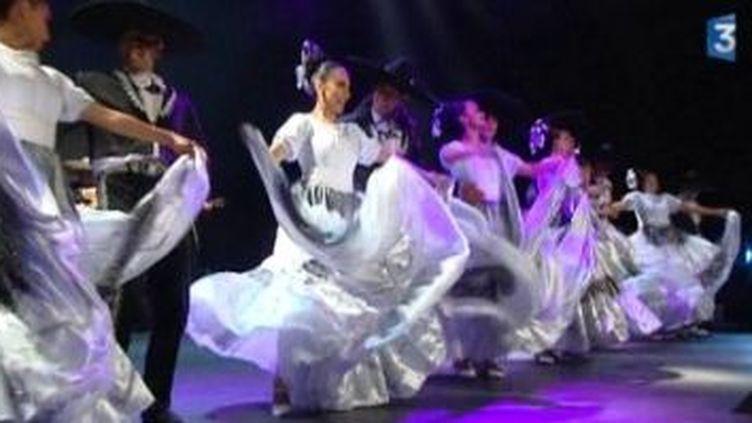 Mexicana, un voyage au coeur du folklore mexicain au Grand Rex  (Culturebox)