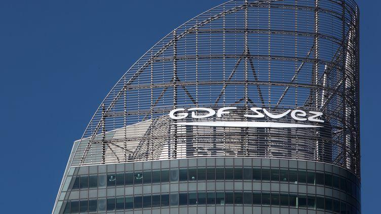 La tour GDF-Suez dans le quartier d'affaires de La Défense (Hauts-de-Seine). (MANUEL COHEN / MANUEL COHEN)
