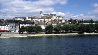 Le Canal de Bourgogne à Joigny (Yonne). Un corps a été retrouvé dans ce canal à quelques kilomètres de là, à Migennes, le 17 août 2017. (NICOLAS THIBAUT / MAXPPP)