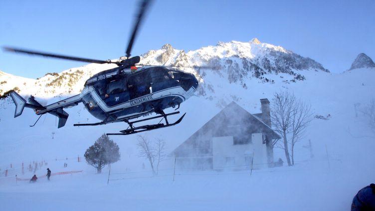 Un hélicoptère de la gendarmerie dans les pyrénées. (MAXPPP)