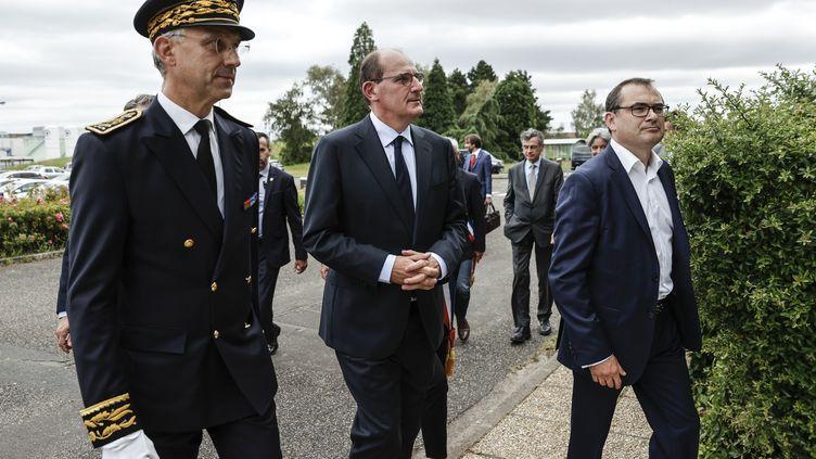 Jean Castex s'est rendu samedi 4 juillet dans une usine de Corbeille-Essonnes (Essonne) pour son premier déplacement officiel en tant que Premier ministre. (THOMAS COEX / AFP)