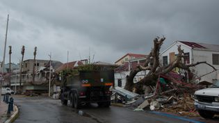 Une rue de Marigot, à Saint-Martin, mardi 19 septembre 2017. (HELENE VALENZUELA / AFP)