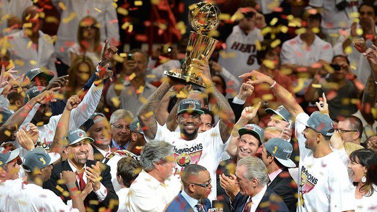 LeBron James et tout le Heat s'enflamment après leur victoire en finale