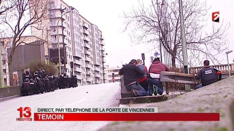 (Un  caméraman de France 2 a pu s'approcher au plus près des forces de l'ordre installées près du supermarché casher © Copie d'écran France 2)