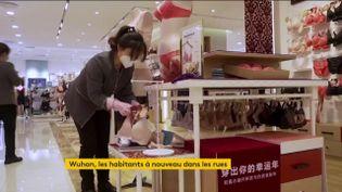 Wuhan reprend vie petit à petit. Les commerces rouvrent (FRANCEINFO)
