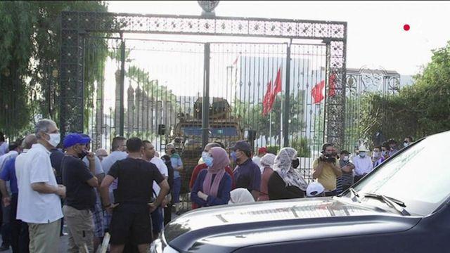 Tunisie : le président de l'Assemblée dénonce un coup d'État