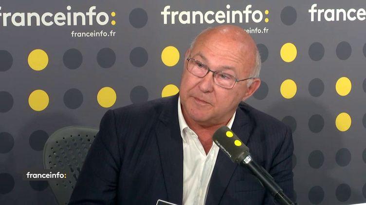 L'ancien ministre socialiste Michel Sapin, le 8 juin 2018, sur franceinfo. (RADIO FRANCE / FRANCEINFO)