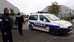 Intervention policière après la violente agression de deux policiers à Herblay (Val d'Oise), le 8 octobre 2020. (MAXPPP)