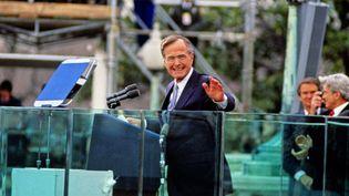 L'ancien président américain George H. W. Bush, le 20 janvier 1989 à Washington. (RON SACHS / DPA / AFP)