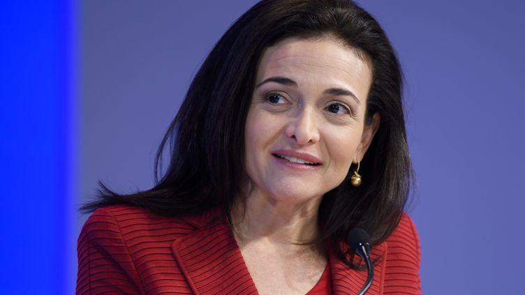 Sheryl Sandberg, directrice générale de Facebook, au Forum économique mondial de Davos, le 18 janvier 2017. (FABRICE COFFRINI / AFP)