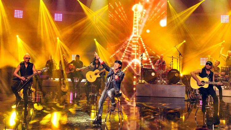 """Les Scorpions en septembre 2014 lors d'un show télévisé allemand (ARD"""")  (STEFAN PUCHNER / DPA / dpa Picture-Alliance)"""