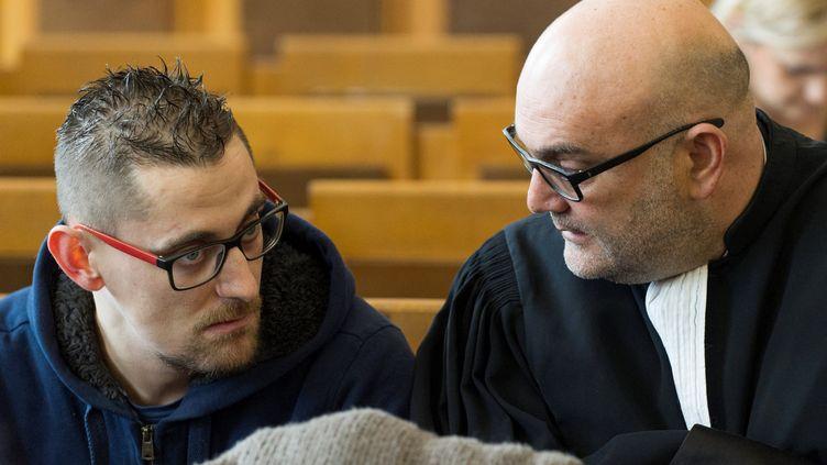 Nicolas Chafoulais, le père de Fiona le 5 février au palais de justice du Puy-en-Velais. (THIERRY ZOCCOLAN / AFP)