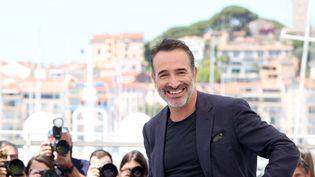 """Jean Dujardin lors du Festival de Cannes (Alpes-Maritimes) le 17 juillet 2021. """"OSS 117 : Alerte rouge en Afrique Noire"""" y a été présenté en clôture. (VALERY HACHE / AFP)"""