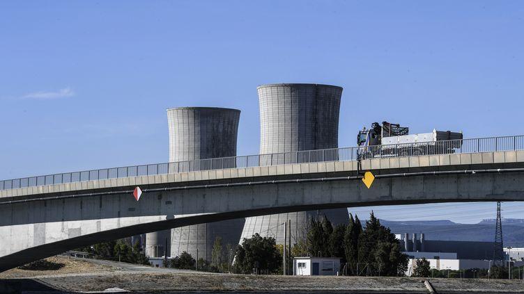 La centrale nucléaire du Tricastin, dans la Drôme, en octobre 2017. (PHILIPPE DESMAZES / AFP)