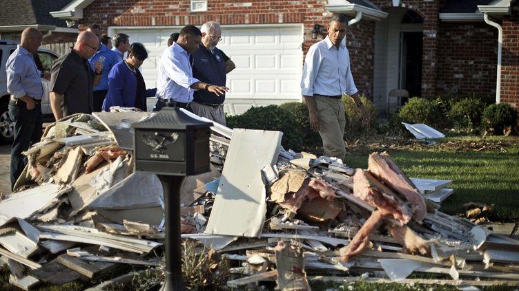 Barack Obama visite un quartier sinistré de la ville de LaPlace, en Louisiane (Etats-Unis), le 3 septembre 2012. (PABLO MARTINEZ MONSIVAIS / AP / SIPA)