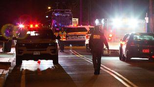 La police intervient après uneattaque à l'arme blanche ayant fait plusieurs blessés au sein de la résidence d'un rabbin à Monsey, dans l'Etat de New York (Etats-Unis), le 29 décembre 2019. (EDUARDO MUNOZ / REUTERS)