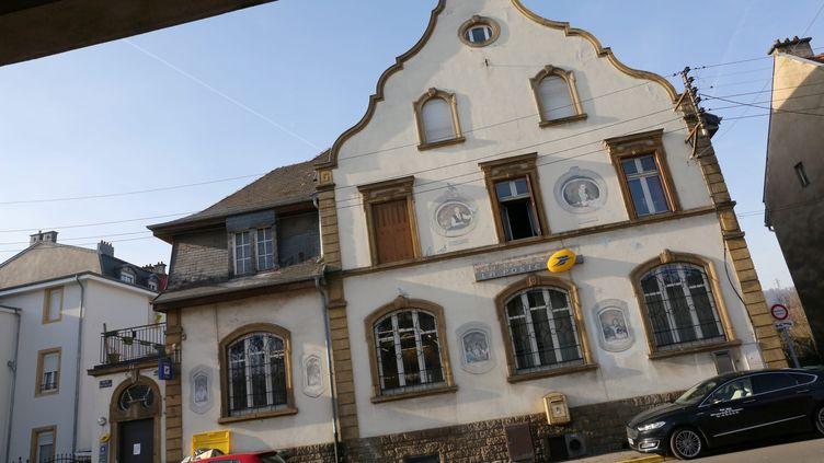 Un bureau de poste à Nilvange (Moselle), le 6 février 2019. (MAXPPP)