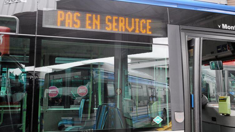 Un bus de la TaM, en janvier 2011, à Montpellier (Hérault). (  MAXPPP)