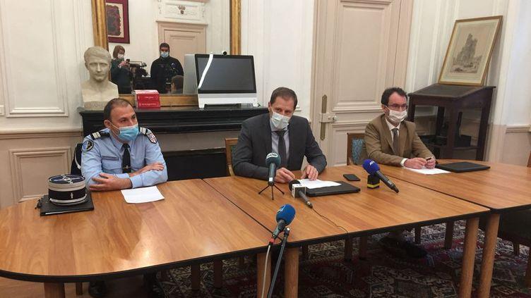 Conférence de presse du procureur de la République d'Amiens Alexandre de Bosschère, lundi 16 novembre, au sujet du décès de deux adolescents à Poulainville. (ELISE RAMIREZ / FRANCE TELEVISIONS)